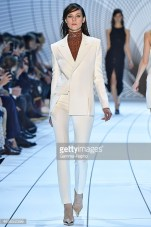 Mugler: Total white makes a thin silhouette.